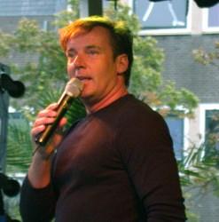 Gerard Joling Zitzak.Gerard Joling Niet De Enige Ster Geworden In Henny S Show Henny